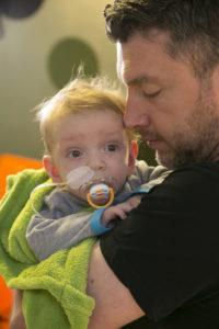Herzkind Moritz mit seinem Vater