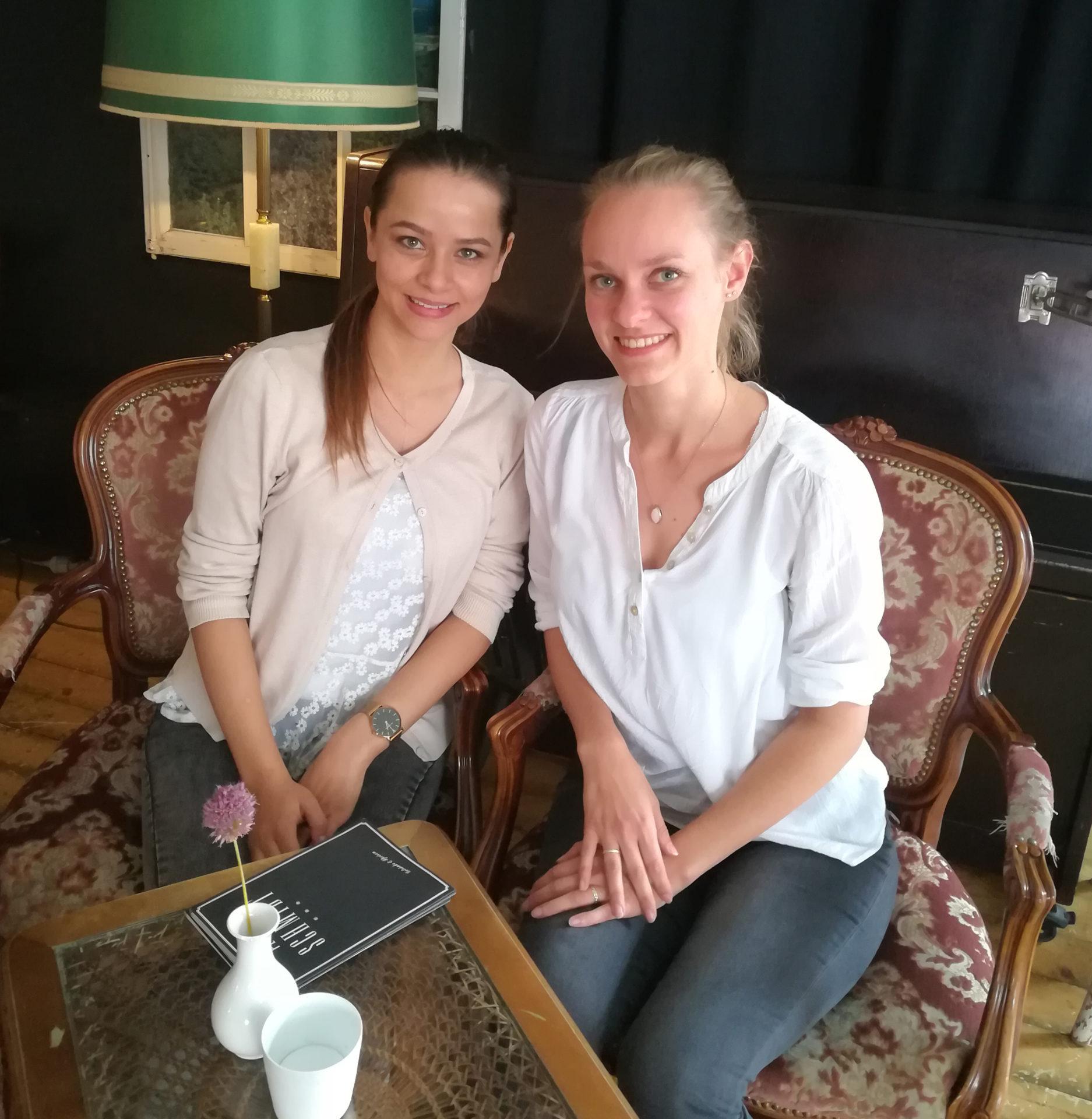 Sabrina und Cornelia beim Interview