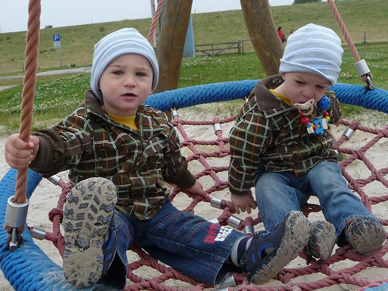 Herzkind Felix und Zwillingsbruder Moritz