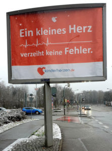 Ein kleines Herz verzeiht keine Fehler Wall Kampagne Freiburg